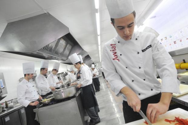 Escola joviat escuelas de hosteler a en saber y sabor - Escuelas cocina barcelona ...