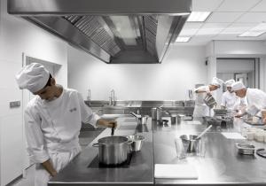 Escuelas de hosteler a la mejor oferta formativa en - Escuelas cocina barcelona ...